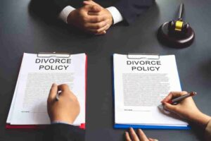 HOW TO PAY FOR A DIVORCE LAWYER WITH NO MONEY
